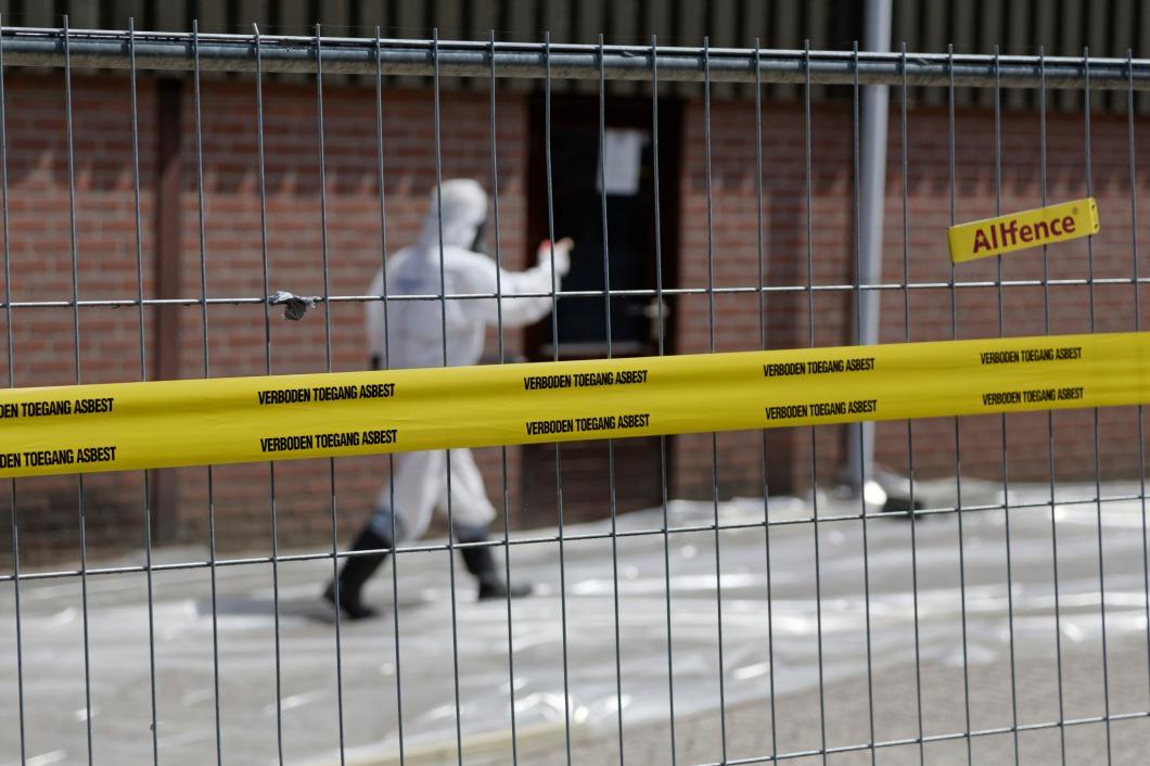 SGS Search, bezoek staatssecretaris locaties asbestsanering,